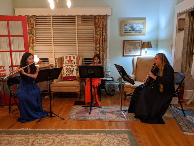 The South Florida Chamber Ensemble accompanied the stories of innocent people who were wrongfully convicted and sent to prison with classical music.