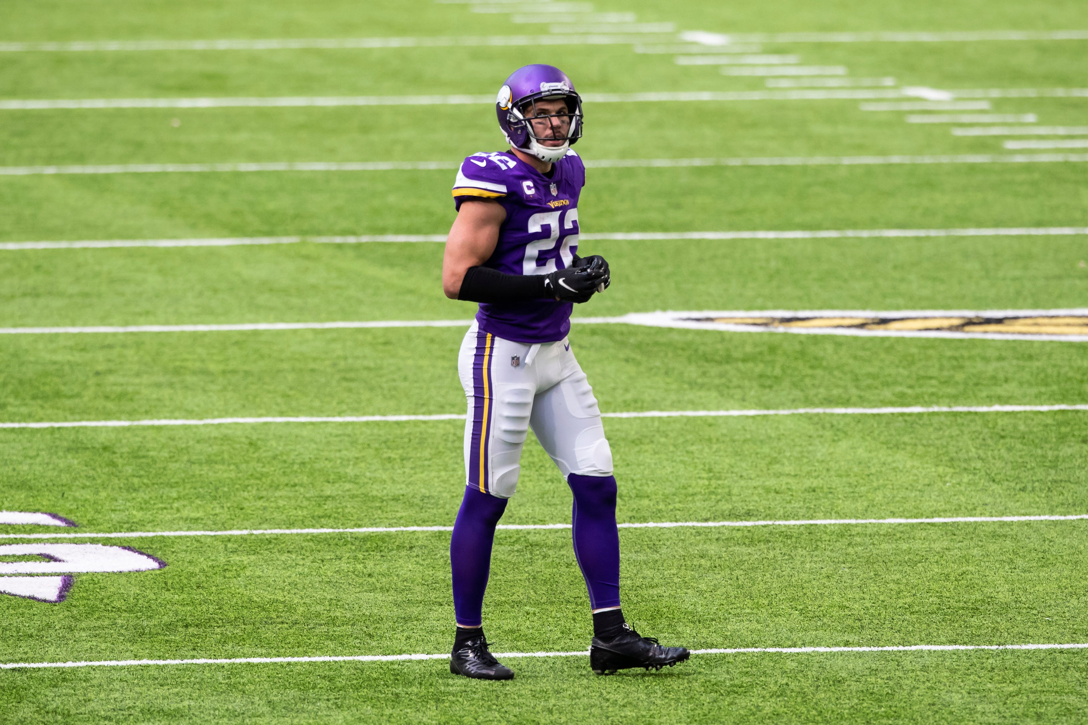 Vikings' Harrison Smith ejected for targeting call on Texans' Jordan Akins