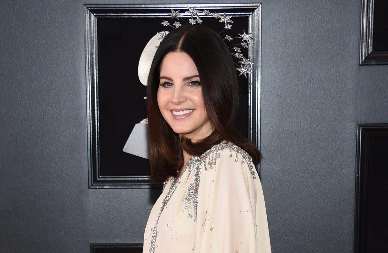 Wear a real mask : Lana Del Rey flaunts mesh face mask to meet fans, takes social media heat