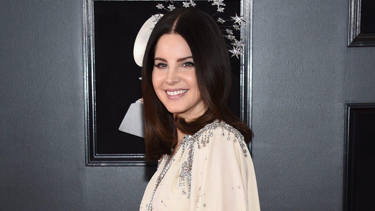 Lana Del Rey Slammed For Mesh Face Mask She Wore To Meet Poetry Fans