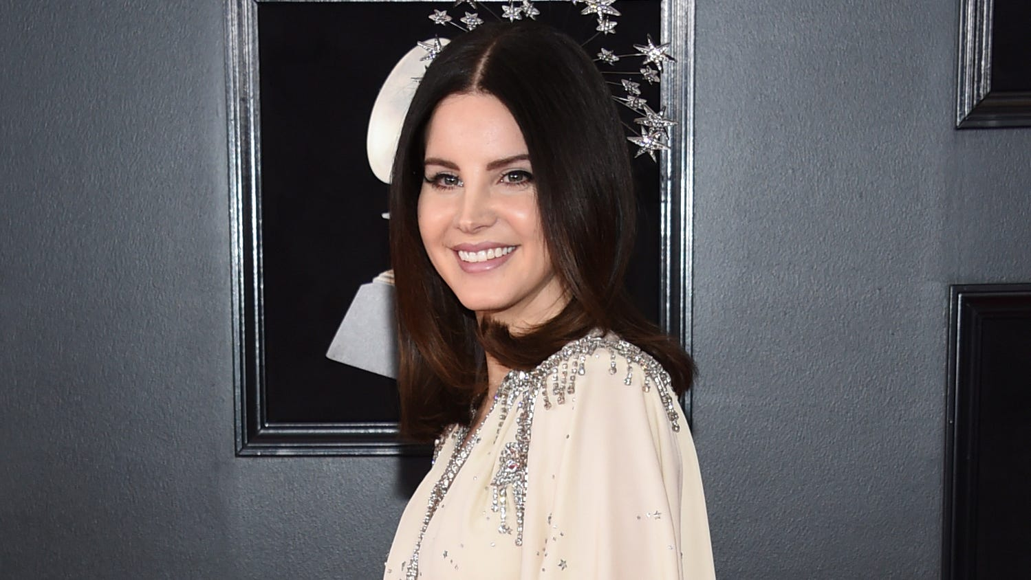 Lana Del Rey Slammed For Mesh Face Mask She Wore To Meet Poetry Fans