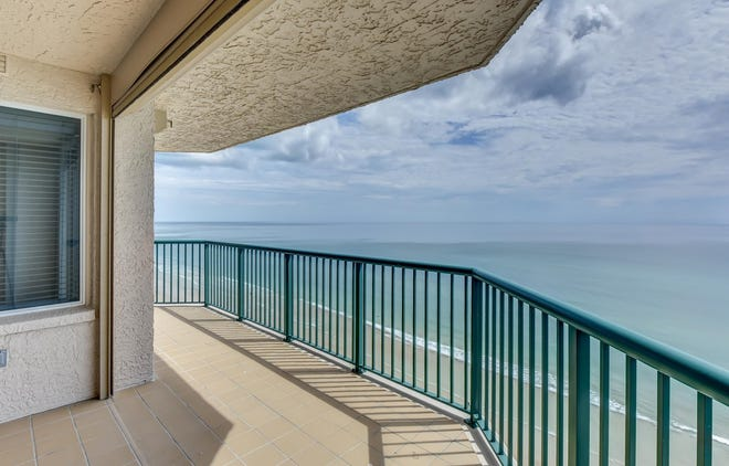 This 17th-floor oceanfront unit in Dimucci Twin Towers offers sunrise and sunset views.