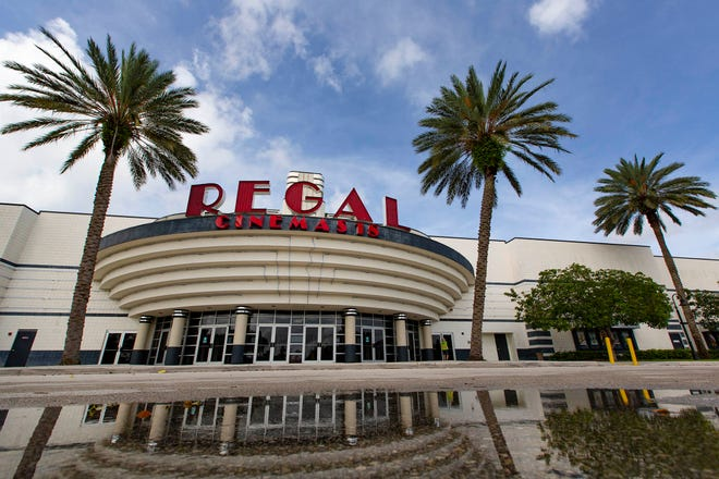 Regal Royal Palm Beach & RPX on State Road 7, October 5, 2020. The cinema chain in the U.S. is closing all of its locations nationwideÊas the COVID-19 pandemic continues. [ALLEN EYESTONE/palmbeachpost.com]