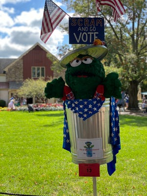 The Rehoboth Beach – Dewey Beach Chamber of Commerce is hosting a scarecrow decorating contest through Oct. 31 for businesses in the 19971 zip code: Dewey Beach, downtown Rehoboth Beach and Route One.