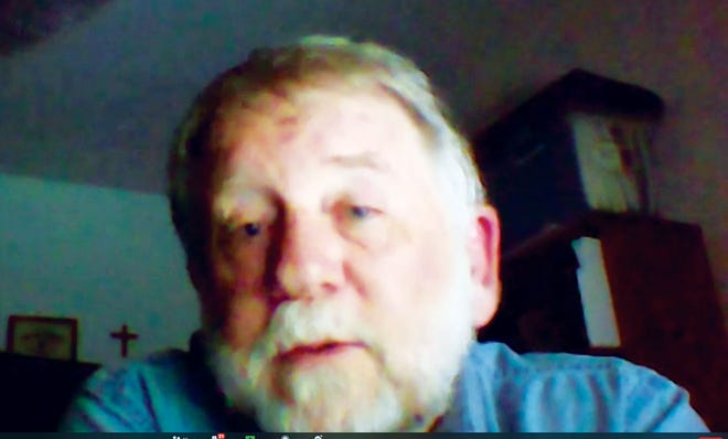 Dan Hollenbach talks to Friends of ORNLvia Zoom.