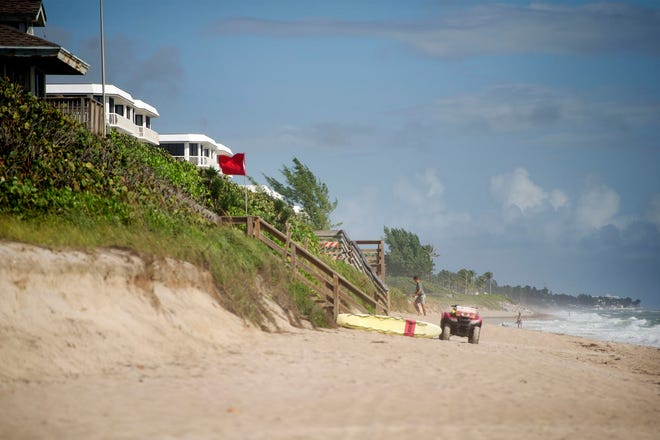 Phipps Ocean Park will receive new sand in November to replace losses from Hurricanes Matthew and Irma. (MEGHAN MCCARTHY/PALM BEACH DAILY NEWS)