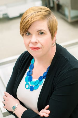 Dr. Laura Knight