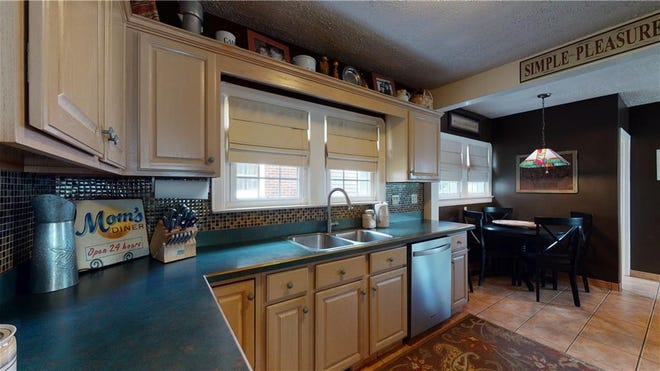 The kitchen needs to be neat, clean and free of clutter so home shoppers can envision what they might want to do.
