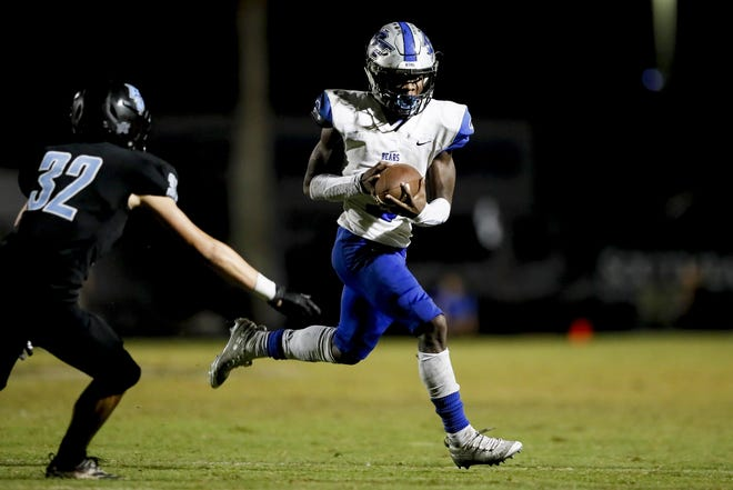 Bartram Trail's A.J. Jones lll scores the game-winning touchdown against Ponte Vedra during the Bears' 29-27 victory in 2019.