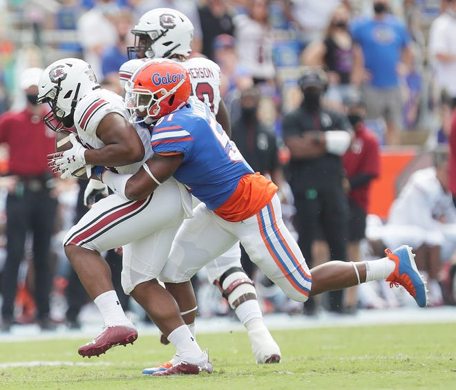 Florida linebacker Ventrell Miller considered entering the NFL draft after the season, but decided to return to school after weighing his options and meeting with his position coach.