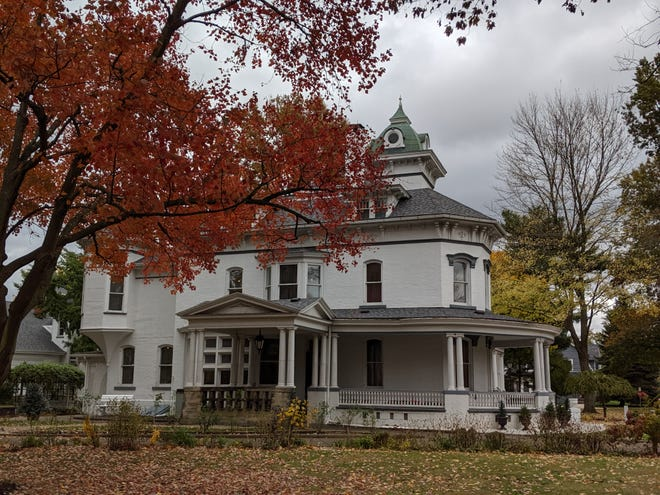 Ghost tours are scheduled at the Reeves Museum.