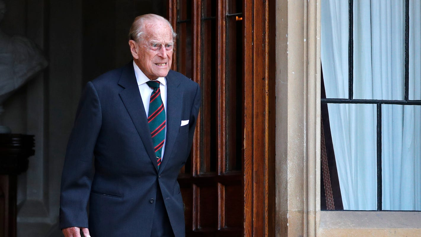 Prince Philip undergoes successful heart procedure, will remain in hospital for treatment, rest - USA TODAY