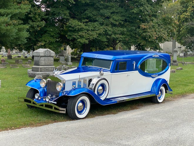 Edwards Funeral Home's 1932-era Rosewood Prinzing hearse