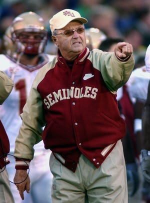 Florida State coach Bobby Bowden complains about a call during the second quarter against Notre Dame in South Bend, Ind., Saturday, Nov. 1, 2003.  (AP Photo/Joe Raymond)