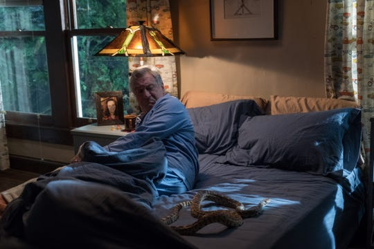 """""""War With Grandpa"""" filmmakers made Robert De Niro a deal he could not refuse. And he woke up with a live snake."""