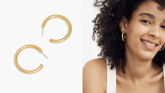 Best gifts under $25: Chunky Medium Hoop Earrings