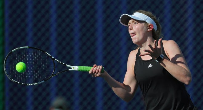 Walsh Jesuit's Emma Kealy is one of six players to be named to the Beacon Journal's All-Star tennis team. [Jeff Lange/Beacon Journal]