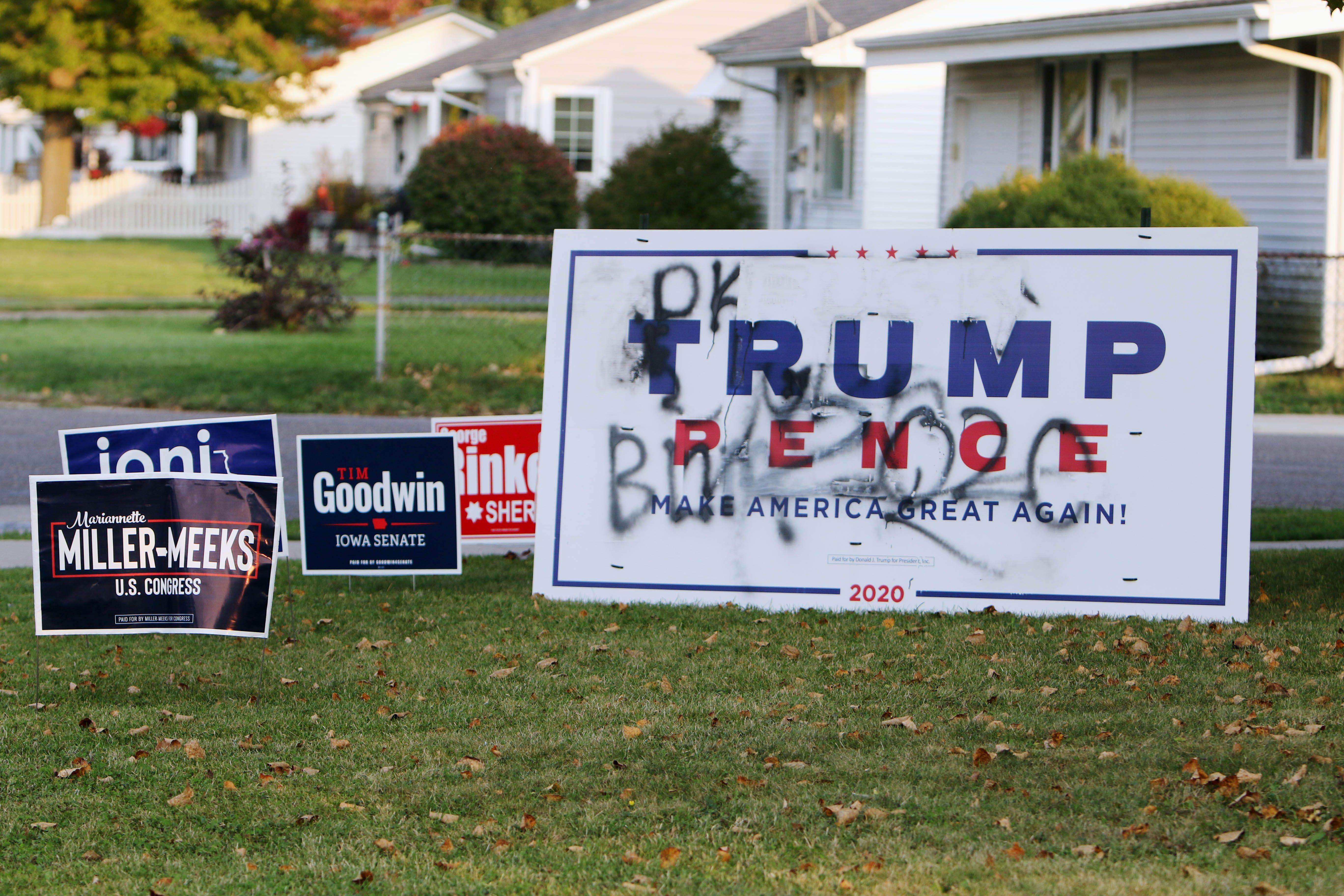 Sign Wars Trump Biden Supports Do Battle With Rural Iowa Displays