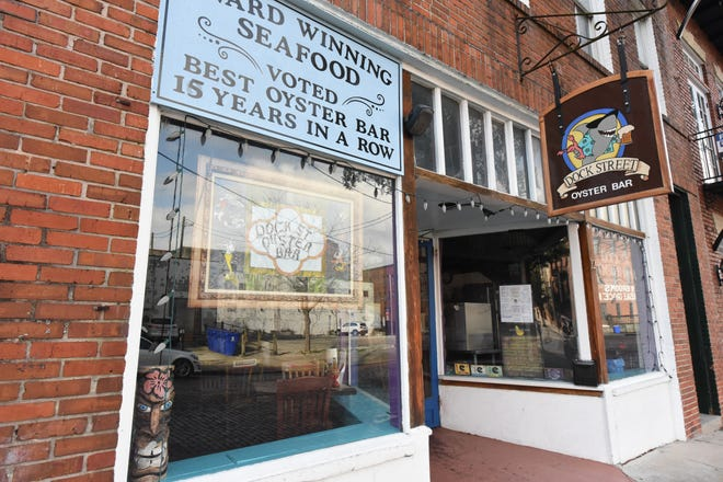 Dock Street Oyster Bar in Downtown, Wilmington, N.C.  [KEN BLEVINS/STARNEWS]