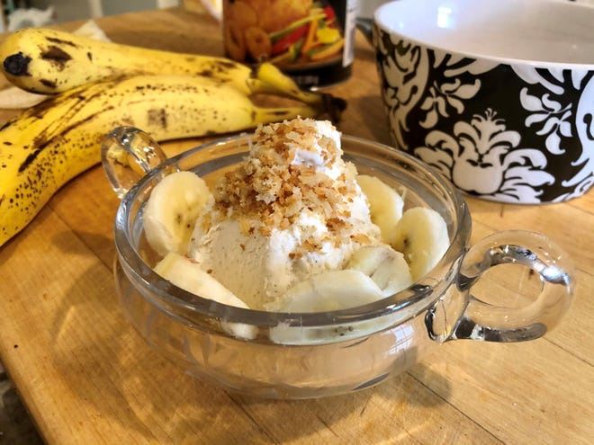 Butter-toasted panko breadcrumbs make ev-er-y-thing better, including a simple banana split.