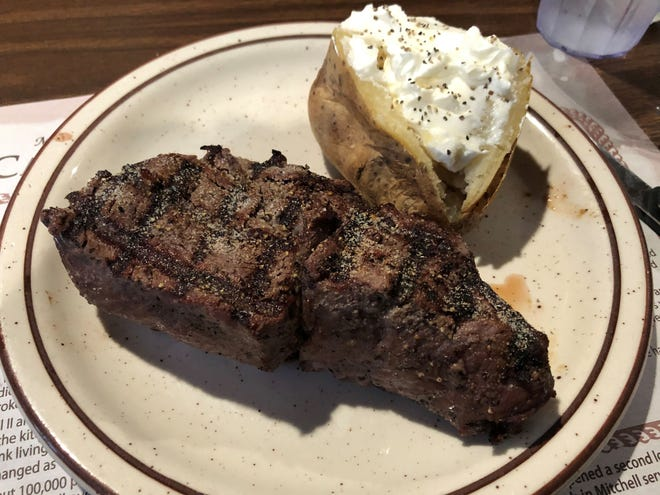 The 12-ounce steak at the Cattleman's Club Steakhouse in Pierre.