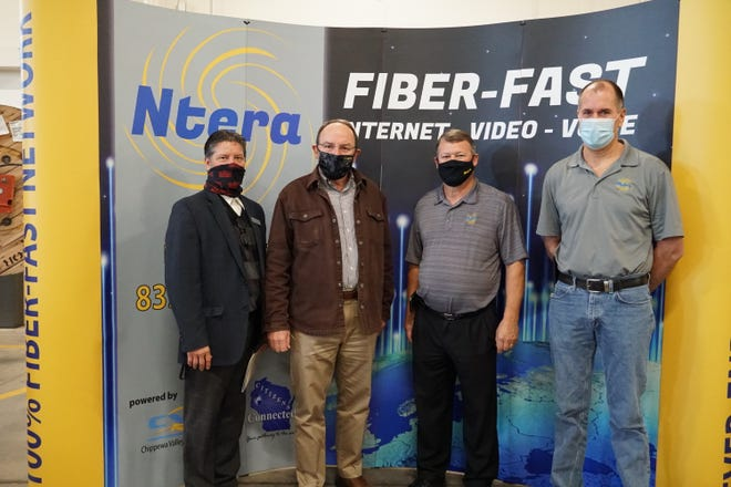 From left to right: Frank Frassetto, WI USDA Rural Development State Director; Congressman Tom Tiffany; Dennis Bachman, CEO/General Manager of Citizens Connected; and Russ Falkenberg, Ntera LLC.