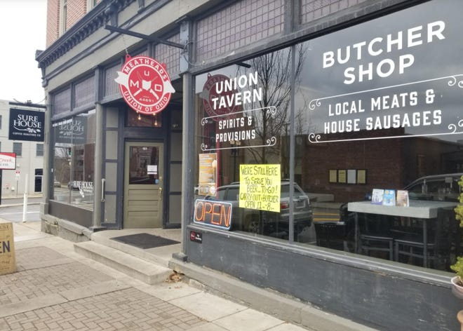 Meatheads Union, a downtown restaurant, has temporarily closed after an employee tested positive for the coronavirus.