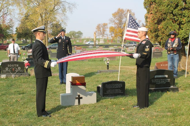 A burial service with military honors was held for Lewis Mason on Friday, Oct. 9 at Violet Hill Cemetery in Perry.
