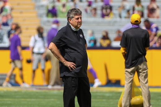 No. 17 Mike Leach, Mississippi State: $ 5,000,000. Leach received a $1.25 million raise by leaving Washington State and signing a four-year contract with the Bulldogs. He is eligible to receive up to an additional $1.4 million in bonuses, including a $1 million reward for winning a national championship.