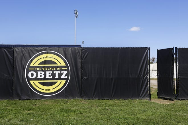 While the Browns won't be showing up en masse for a team workout, the village of Obetz did extract an NFL-related concession —a Cleveland Browns Youth Football Camp tobe held at Fortress Obetz June 21-23, team officials confirmed Friday.