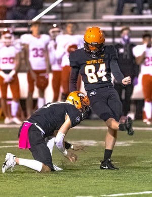 Conner Kulka hit a 37-yard field goal to secure Brother Rice's win against Orchard Lake St. Mary's on Oct. 3.