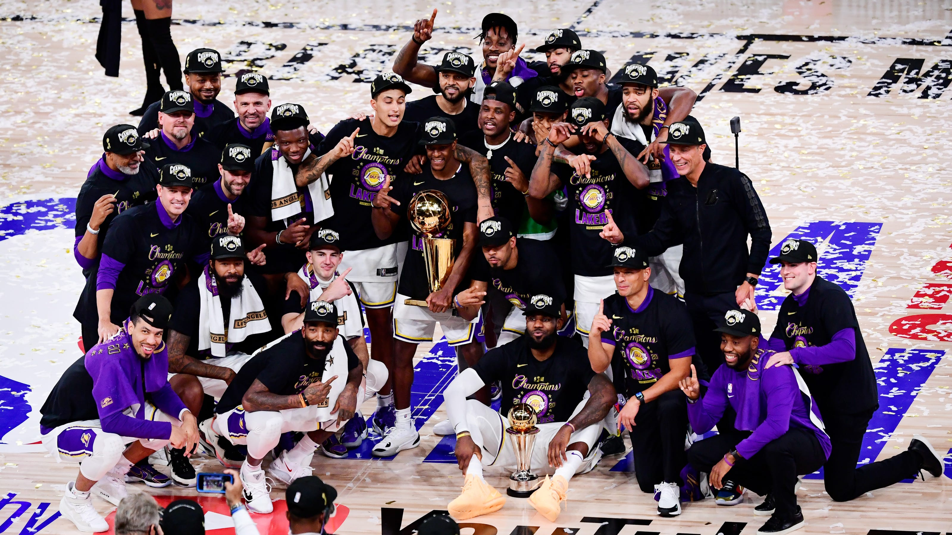 Lakers rout Heat for record-tying 17th NBA championship