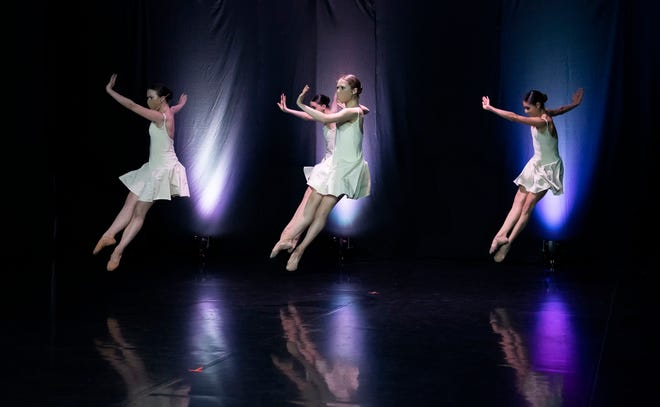 """Verb Ballets performs Royce Zackery's 2010 dance """"Grace"""" in the company's live-streamed """"NeoClassical Lines"""" program Friday."""