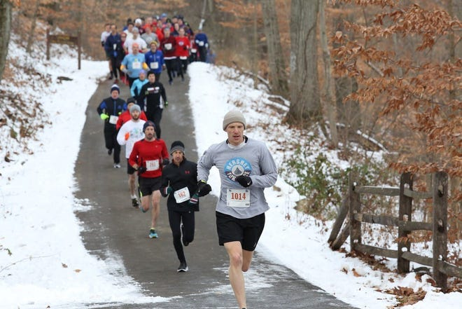 In the 2021 Winter Series, runners will have to stay a little more socially distanced than this.