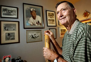 J.W. Porter, who played for five MLB teams in the 1950s, at his Palm Beach Gardens home in 2008.