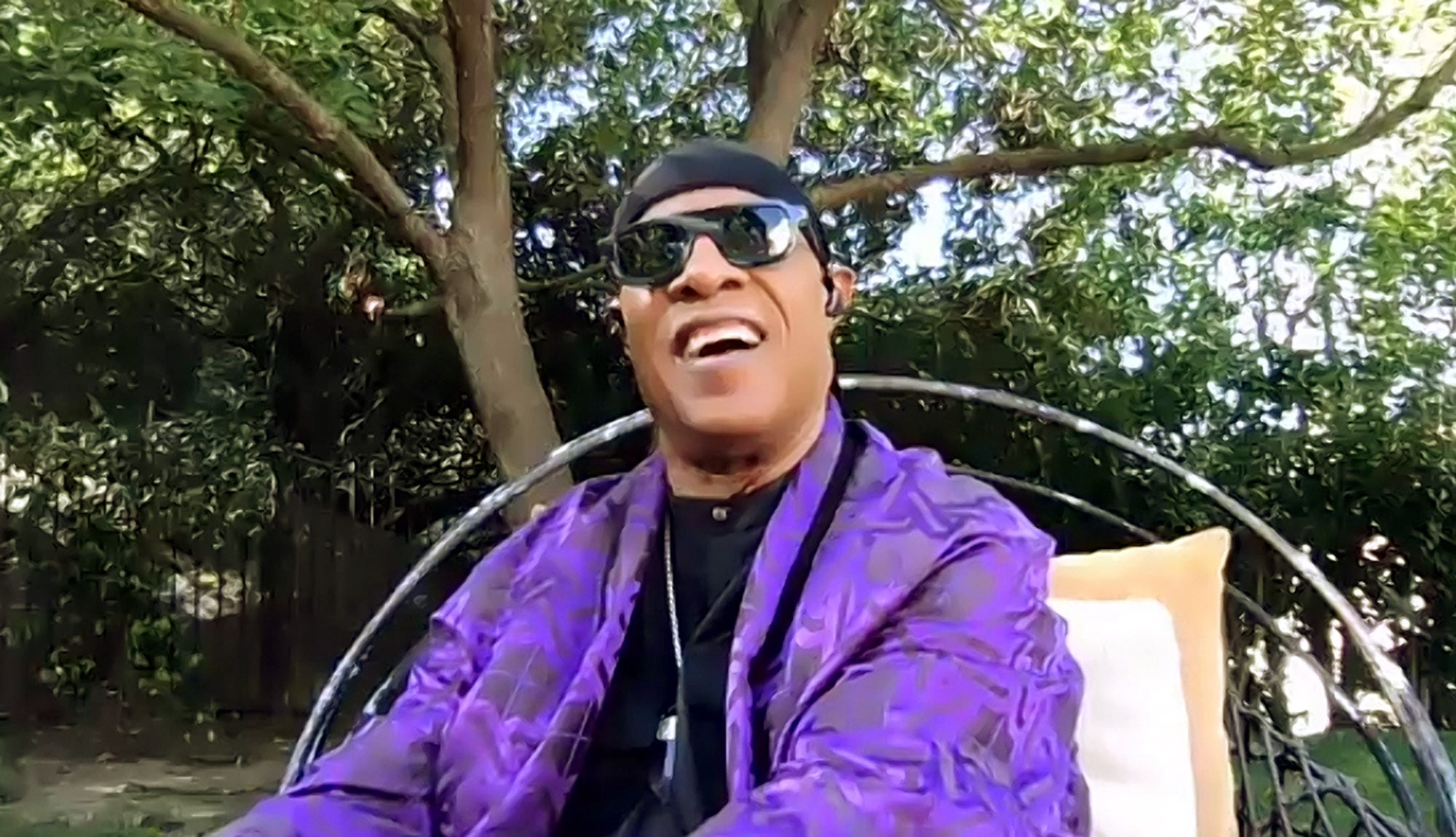 Stevie Wonder announces new music, leaves Motown to form his own label