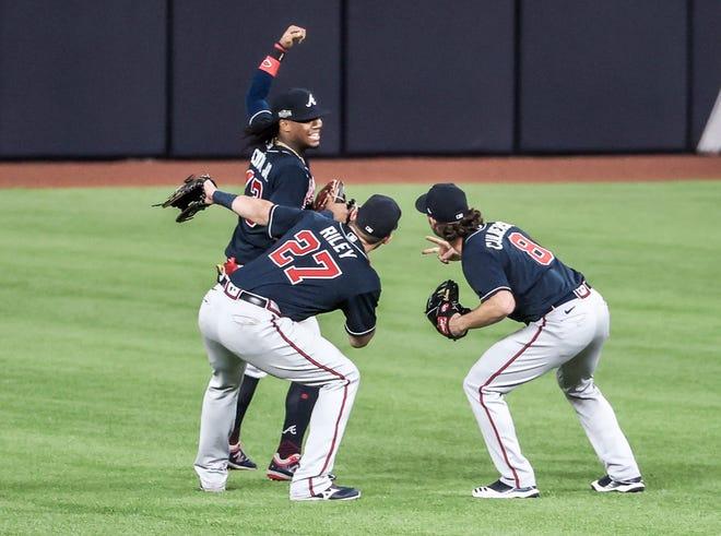Atlanta vence 5-1 a Dodgers en el primer partido de la Serie de Campeonato de la Liga Nacional y la presencia de aficionados en las gradas.