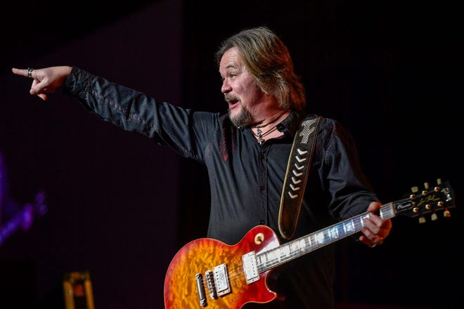 Travis Tritt has booked a December show at the Florida Theatre.