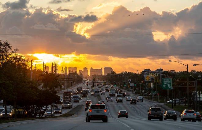 The commute into West Palm Beach on a Monday morning on Okeechobee Boulevard. [ALLEN EYESTONE/palmbeachpost.com]