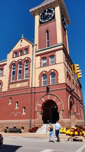 A new $2.1 million annex that will include an elevator has been approved for New Bern City Hall, which will bring the historic building into ADA compliance. [GRAY WHITLEY / SUN JOURNAL STAFF]