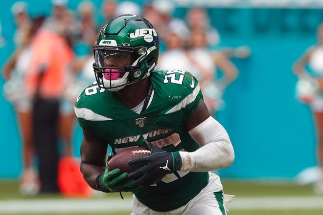 Ex-Jets running back Le'Veon Bell chose the Chiefs over the Dolphins on Thursday.