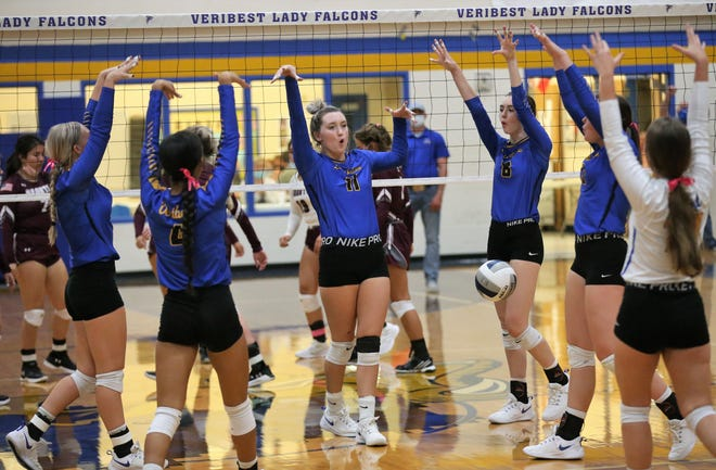 The Veribest High School volleyball team captured the first district title in program history by beating Bronte in four sets at the Veribest gym on Tuesday, Oct. 13, 2020.
