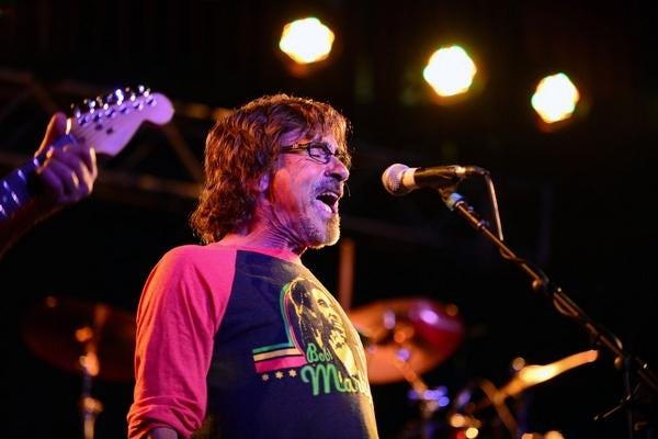 Donnie Iris will perform as part of an all-star virtual concert to help provide food for needy families.