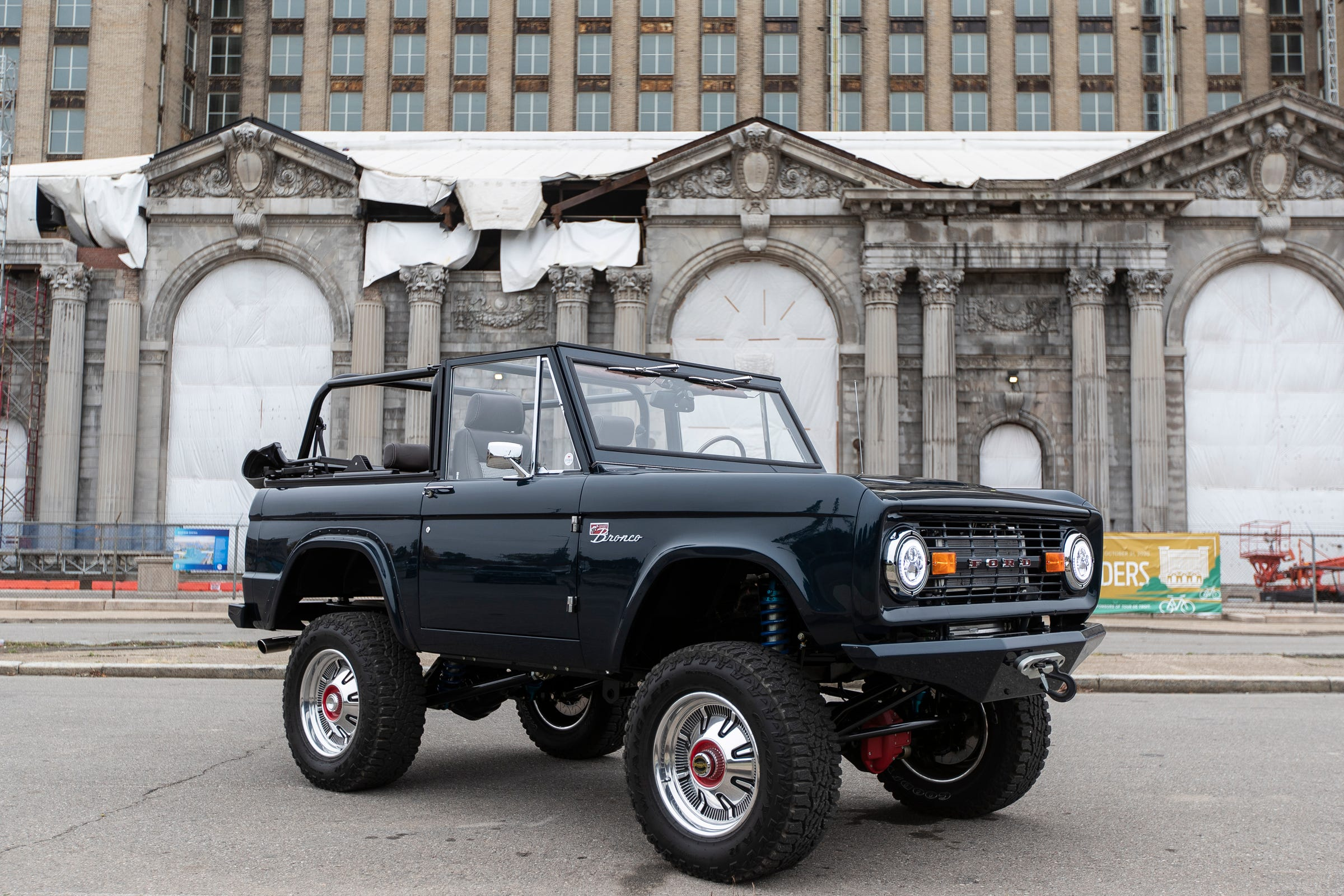 Vintage Ford Broncos being rebuilt, transformed — into something like you've never seen