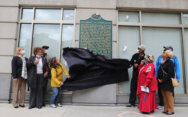 Councilmember Castaneda Lopez and Jason Jordan unveiled the Detroit Plaindealer historical marker on the corner of Shelby and State streets on October 15, 2020.  The Plaindealer was the first Black-owned newspaper to be published in Detroit founded in 1883.