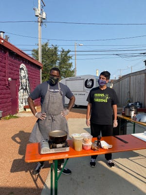"Milwaukee chef Jarvis Williams and Jose Hernandez get ready to cook their dishes in the ""Chopped""-style cooking competition that's a fundraiser for Teens Grow Greens."