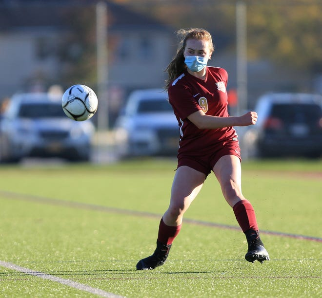 Kaylee Stowell in action on October 14, 2020 in Arlington's game against Mahopac. She was voted the Poughkeepsie Journal Player of the Week.