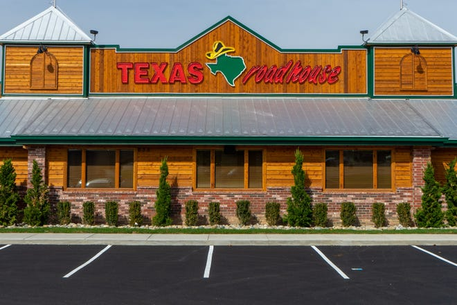 Zanesville's Texas Roadhouse location is set to open Monday afternoon.