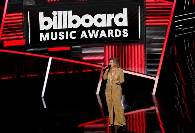 Kelly Clarkson hosted the Billboard Music Awards.