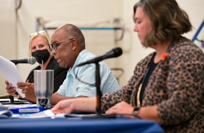 Duval County School Board members Lori Hershey (from left), Warren Jones and Elizabeth Andersen talk about the school system's five-year plan during a public meeting  this month at Alimacani Elementary School.